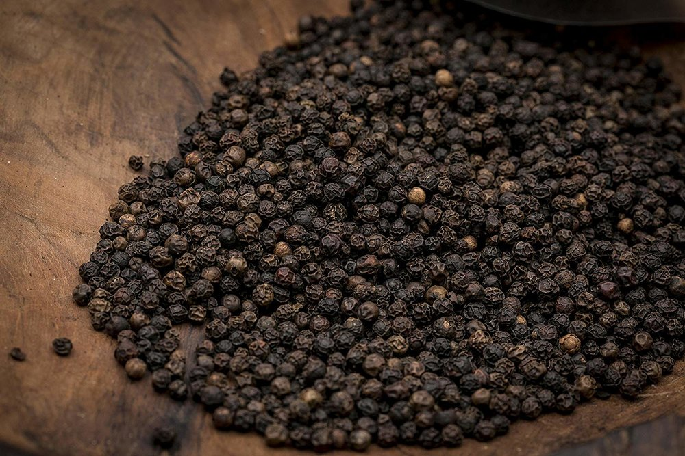 black pepper peppercorns