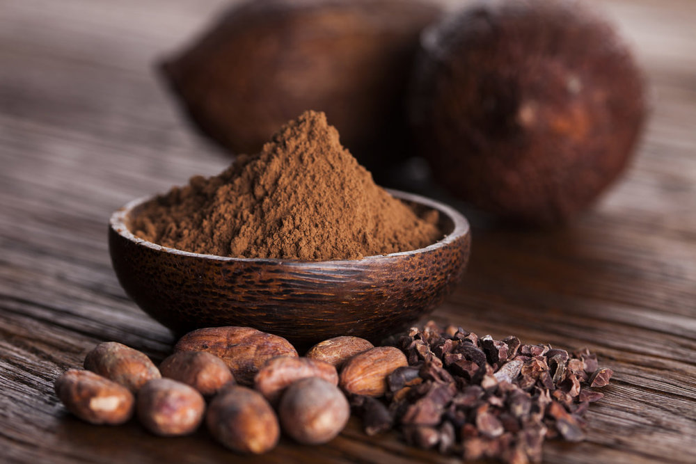 raw cocoa powder and cacao nibs