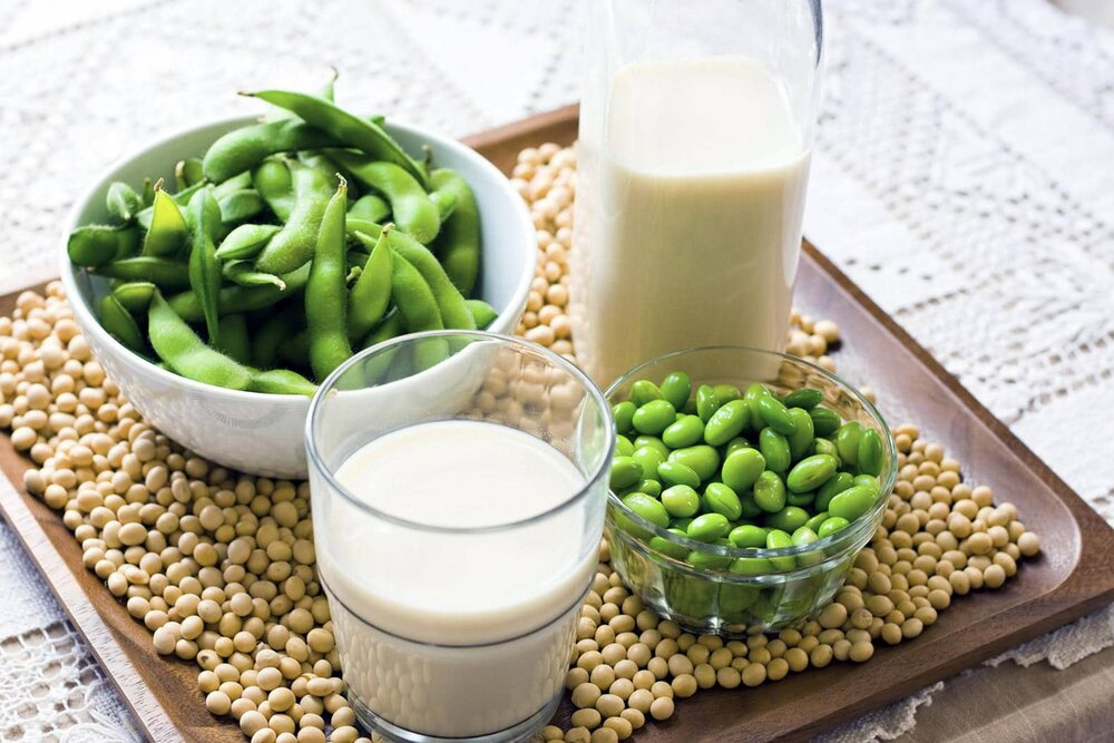 soybeans soy milk and edamame